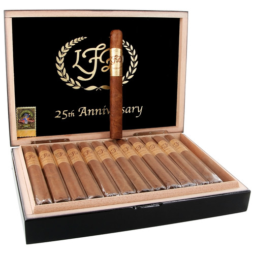 La Flor Dominicana 25th Anniversary (7x52 / Box 25) + FREE SHIPPING ON YOUR ENTIRE ORDER!