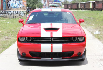 front of red Dodge Challenger RT Hemi Stripes 15 CHALLENGE RALLY 2015-2020