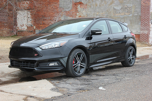 front angle of Ford Focus ST Side Stripes BLADE SOLID 2015 2016 2017 2018