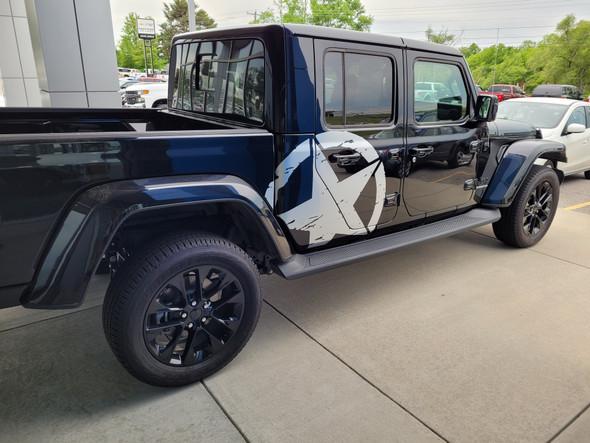 side angle of 2021 Jeep Gladiator Side Door Star Stripes LEGEND SIDE KIT 2020-2021