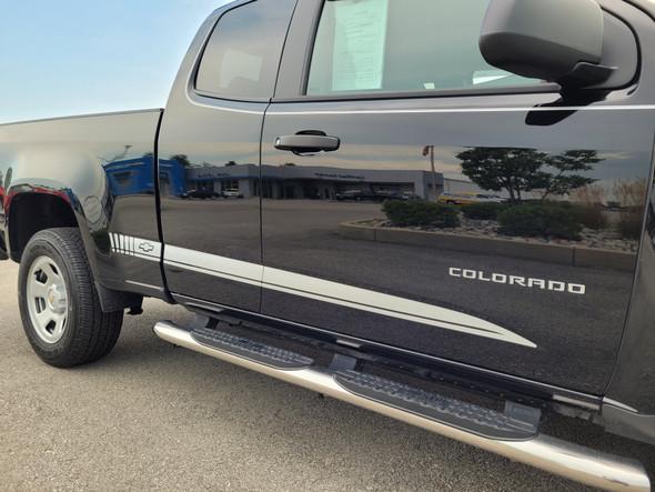 passenger side of 2020 2 Door Chevy Colorado Rocker Graphics RATON 2015-2021