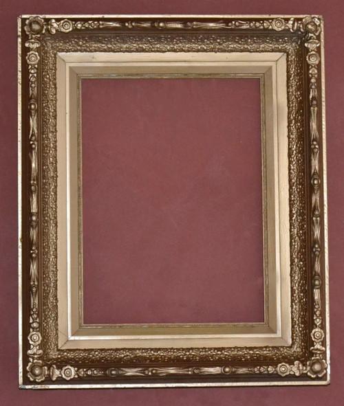 FMOO7 Antique Frame Gold Paint