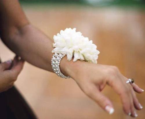 Corsage Bracelet Bubble Bath Flower Bracelet Sugar