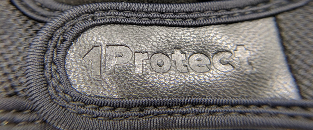 1Protect Gloves velcro strap