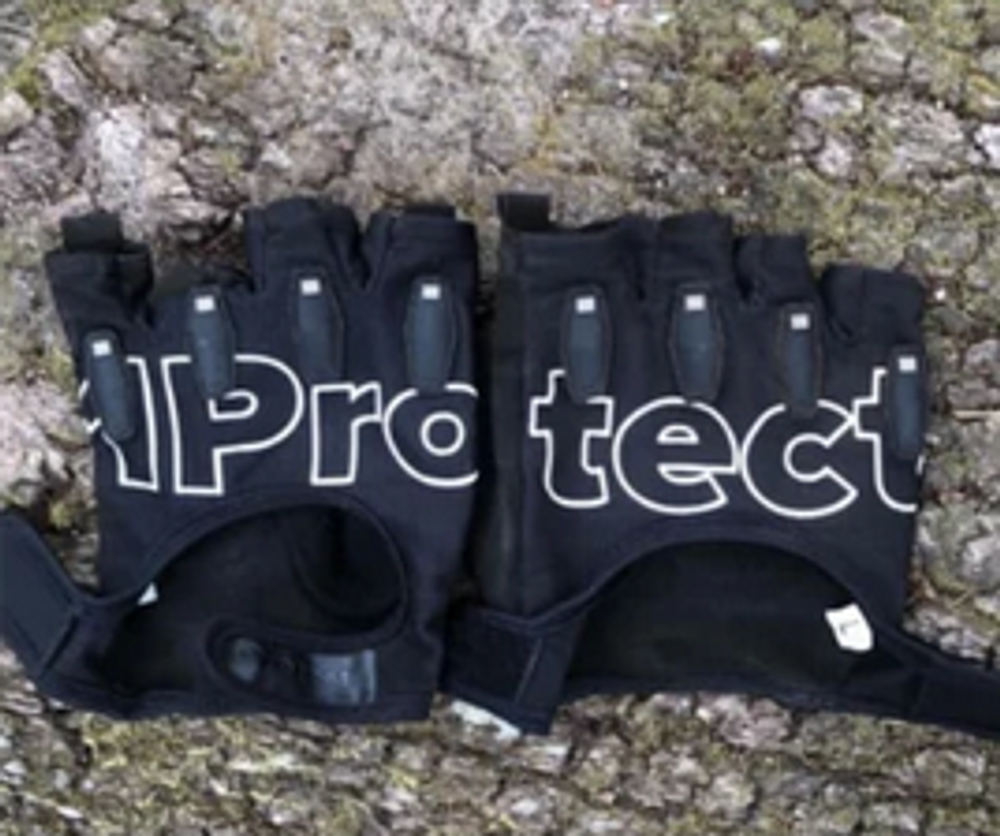 1Protect Safety Gloves lifestyle