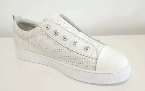 Hinako stud cream, white toe sneaker Lamisaru boutique