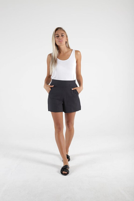 Betty Basics Peyton Shorts Indi Grey_lamisaru_boutique