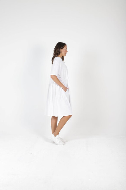 Betty_ Basics_ Portsea_ Dress_ White_lamisaru_boutique