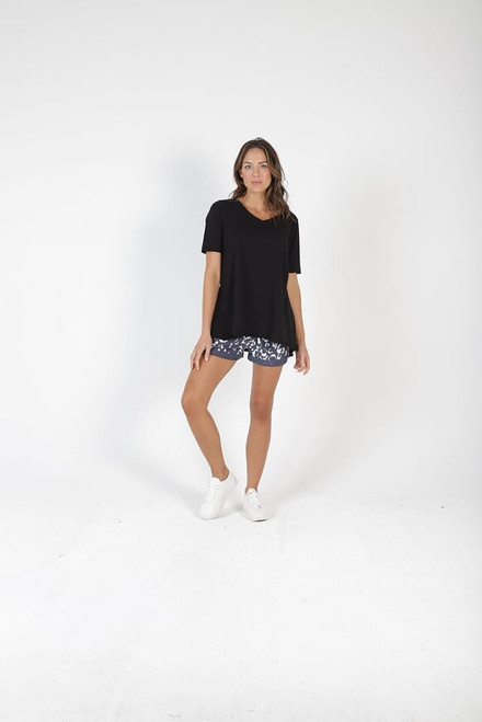 Betty_ Basics_ Noosa _Tee _Black_lamisaru_boutique