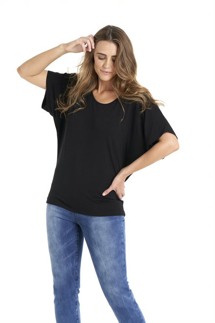 Betty_basics_maui_tee_black