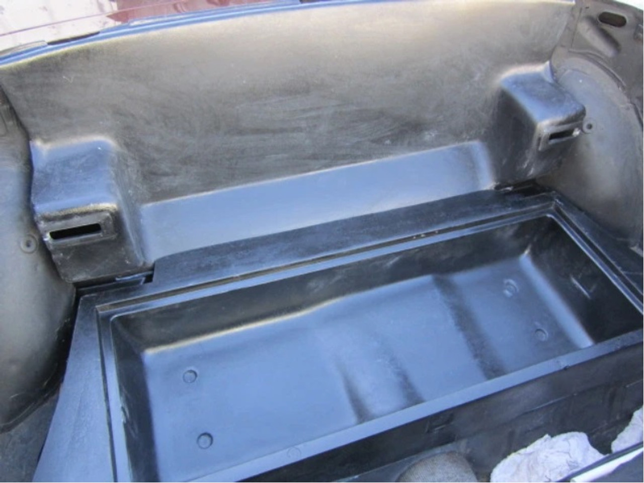 Pininfarina style rear Seat Package Shelf Similar to the one installed on the 1985.5 Spiders FIAT 124 Spider, Spider 2000 and Pininfarina - 1966-1985 - Auto Ricambi