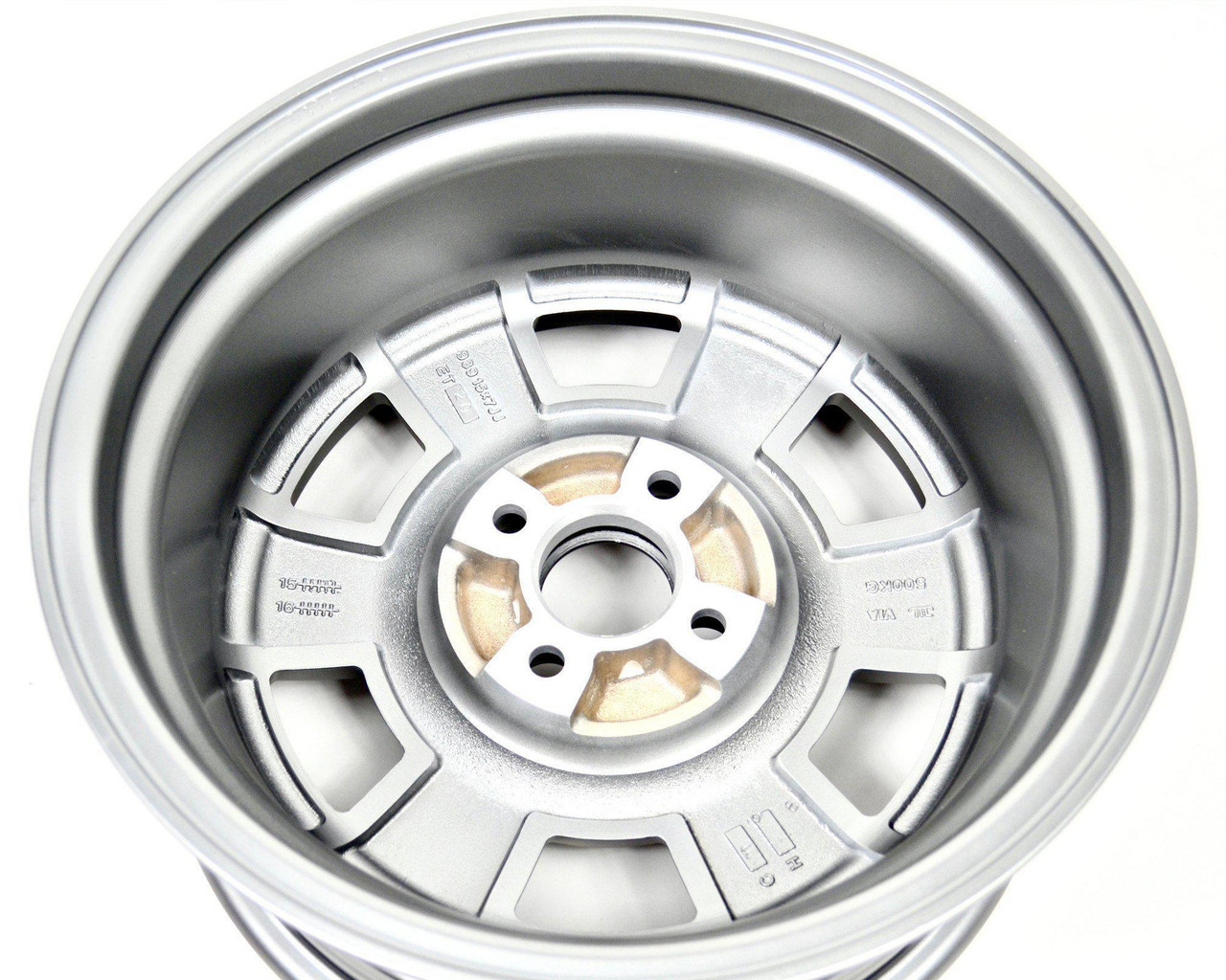 CD-66 style wheel Set of 4 - Auto Ricambi FIAT 124 Spider, Sport Coupe, Spider 2000 and Pininfarina - 1966-1985