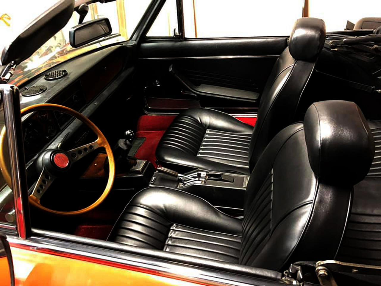 Black vinyl front and rear upholstery kit - Auto Ricambi FIAT 124 Spider - 1966-1978
