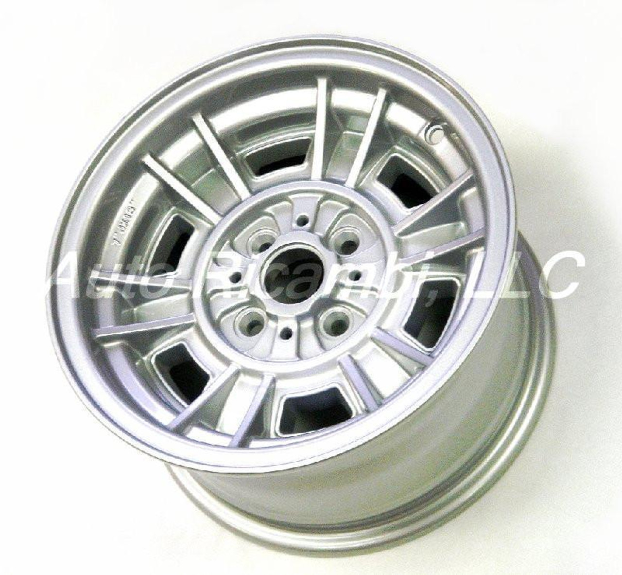 """Faithful replica of the Cromodora CD-66 wheel set - 13"""" x 7"""", 10mm offset FIAT 124 Spider, Sport Coupe, Spider 2000 and Pininfarina - 1966-1985 - Auto Ricambi"""