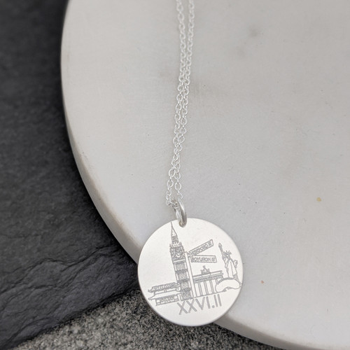 World Majors Marathon running necklace. Shown in sterling silver on cable chain.