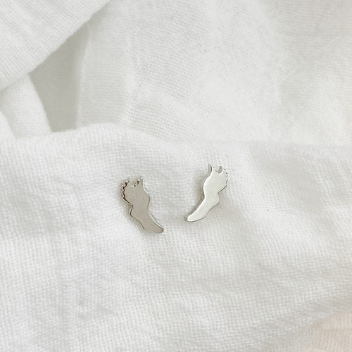 Sterling silver handcrafted winged foot earrings
