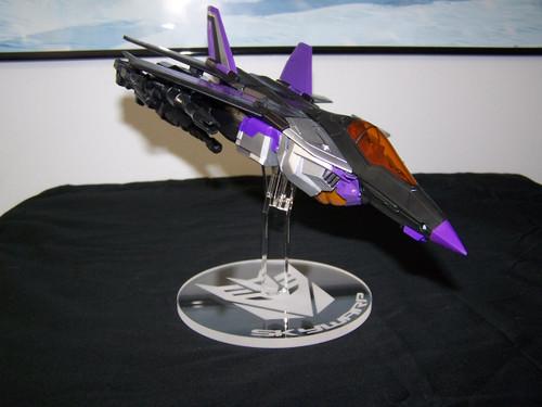 Skywarp Leader Class display stand