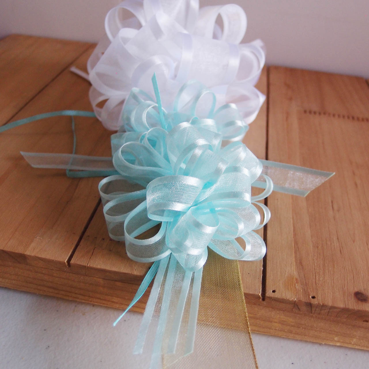 Silver Sheer with Satin Edge Pull Bow (2 sizes)