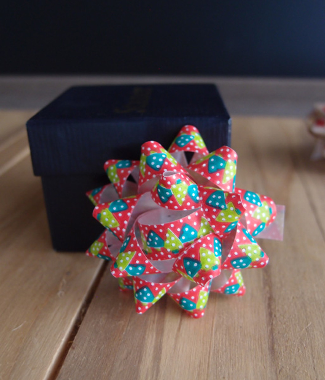 """Red & Green Christmas Trees 2"""" Star Bows"""