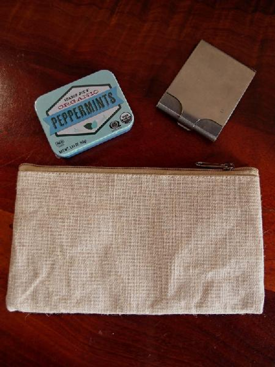 Jute Blend Flat Zipper Pouch Large, Wholesale Zipper Bags | Packaging Decor This zipper bag functions perfectly as a makeup pouch, toiletry bag, pencil pouch, gadget pouch or cable pouch. It is perfect for carrying travel essentials. This zipper bag features laminate lining.