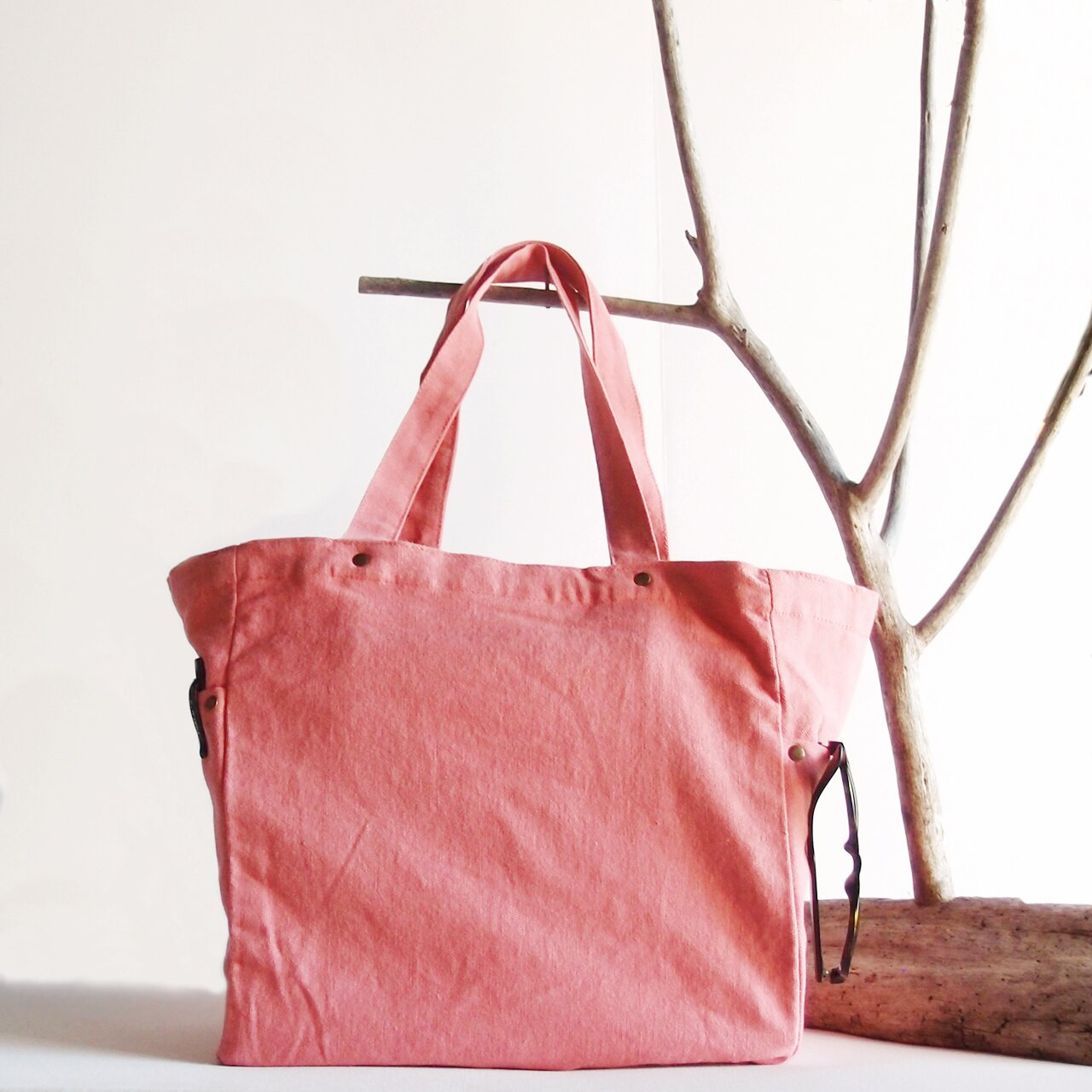 Wholesale Canvas Tote Bags, Washed Canvas Tote Bag with Side Pockets Pink B798-75 | Packaging Decor