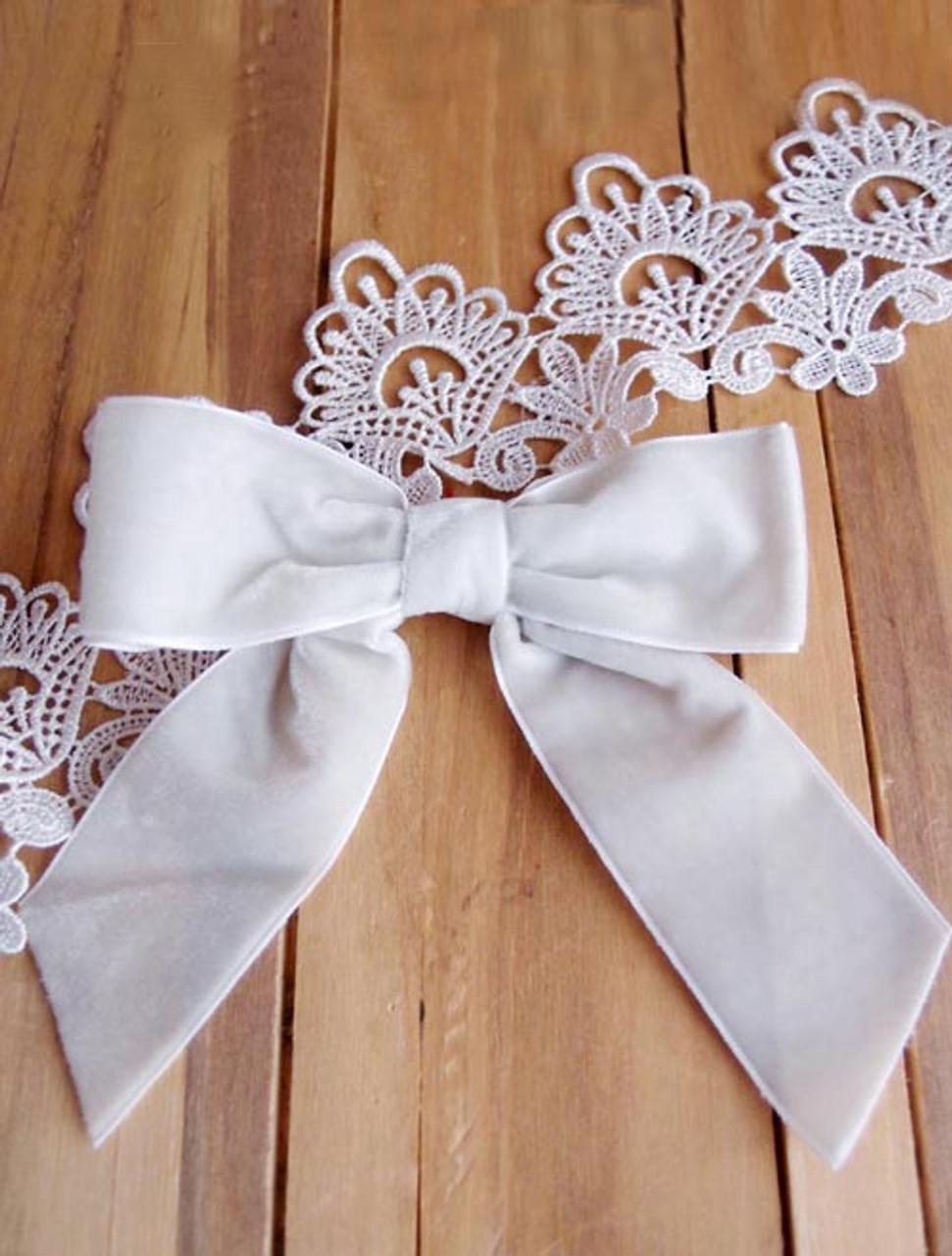 """Ivory 5"""" Velvet  Pre-tie  Bow w/Twist-tie"""