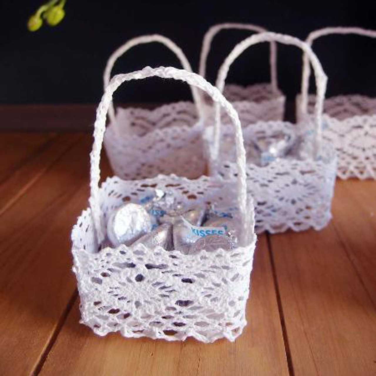 Mini Lace Favor Baskets Square