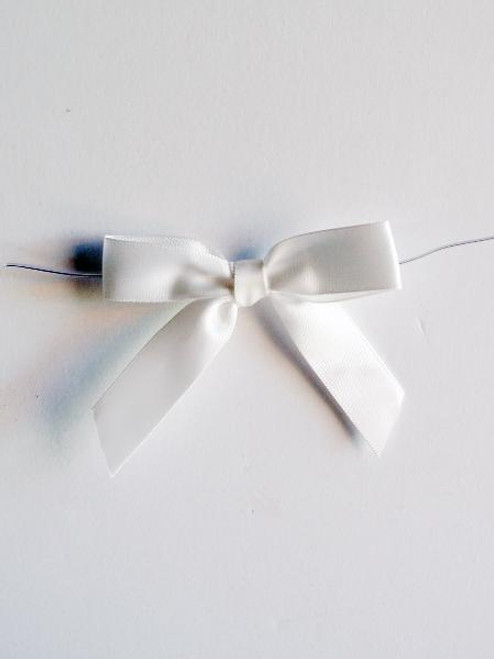 White Satin Pre-tied Bows w/Twist-tie (4 sizes)