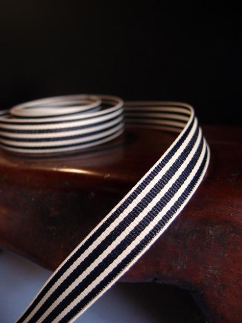 Black & Ivory Seersucker Striped Grosgrain (3 sizes)
