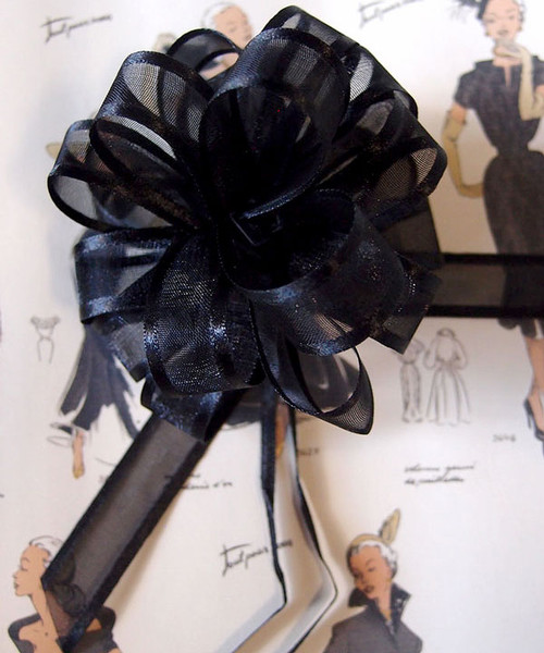 Wholesale Pull Bows, Black Pull Bows, Sheer with Satin Edge Pull Bow | Packaging Decor