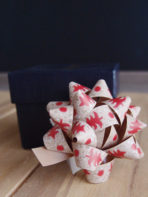 "Kraft Paper Red Christmas Tree  2"" Star Bows"