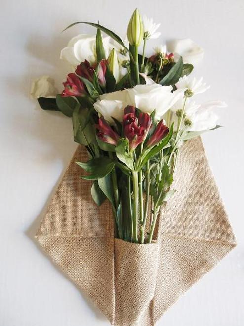 "14"" x 20.75"" Burlap Floral Wrap with Pocket (B992-21), Floral Design Tools, Rustic Burlap Wrap"
