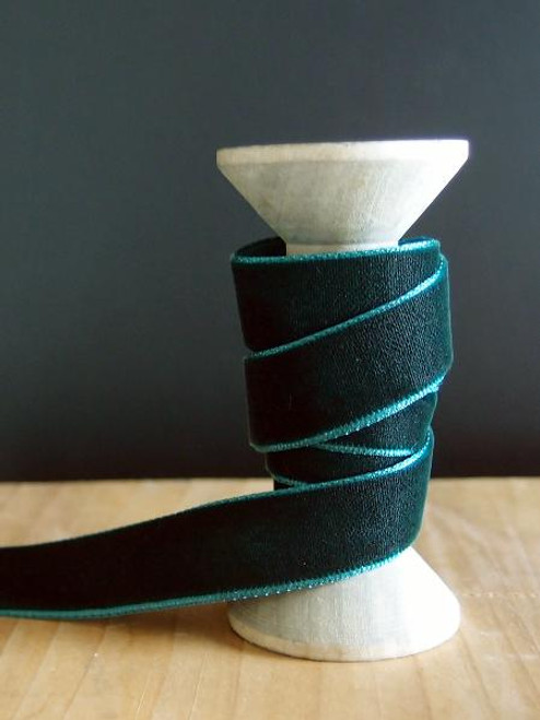 Hunter Green Velvet Ribbon (2 sizes)