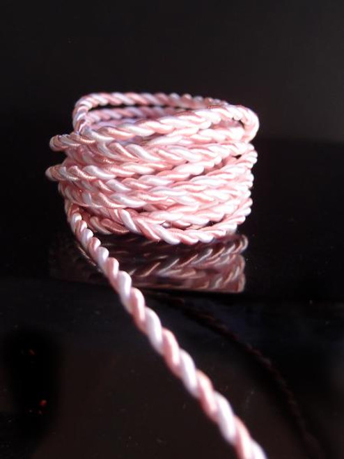 White & Pink Rope 	2.5mm x 20Y