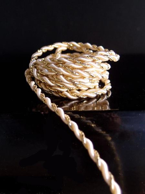 Ivory & Gold Rope 2.5mm x 20Y
