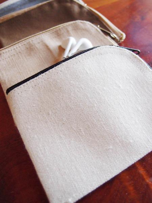 Cotton Canvas Curved Zippered Pouch