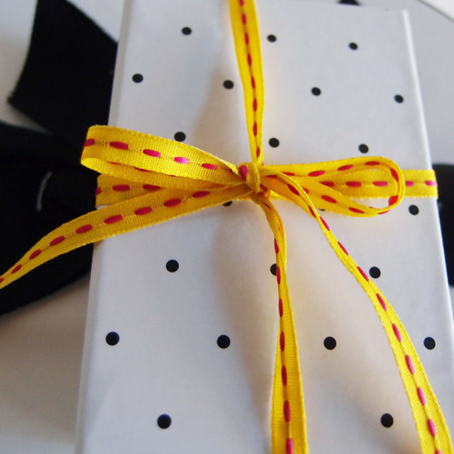 Wholesale Ribbon, Ribbon for Gift Packaging, Yellow with Hot Pink Center Stitch Grosgrain Ribbon 408-16 | Packaging Decor