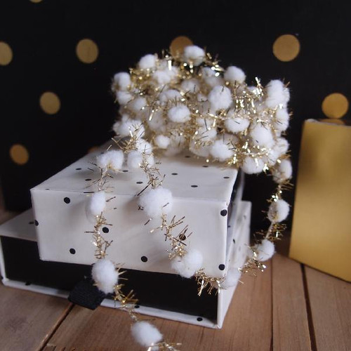 White Wired Pom Pom with Gold Tinsel