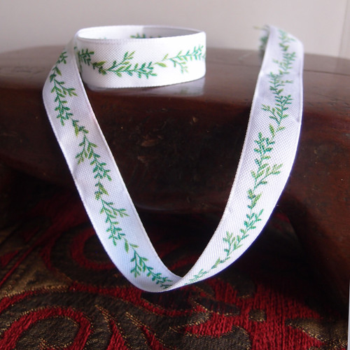 """5/8"""" Green Leaves with White Ribbon"""