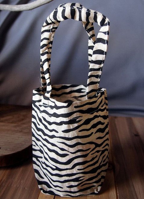 Wholesale Zebra Cotton Tote Bags, 5 x 5 x 2 inches. Shop for wholesale cotton tote bags at Packaging Decor! Call (949) 833-7738.