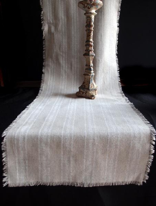 "19""x108"" White Stripes Linen Table Runner with Fringed Edge"