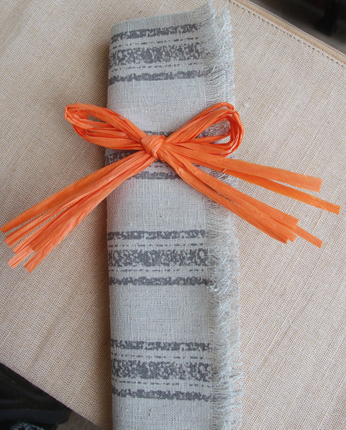 "4"" Orange Raffia Pre-Tied Bow with/Twist-tie"