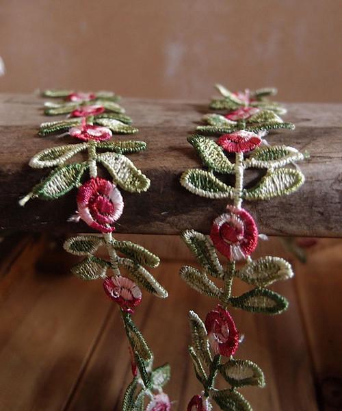 Red Rose & Leaf Embroidered Trim Ribbon