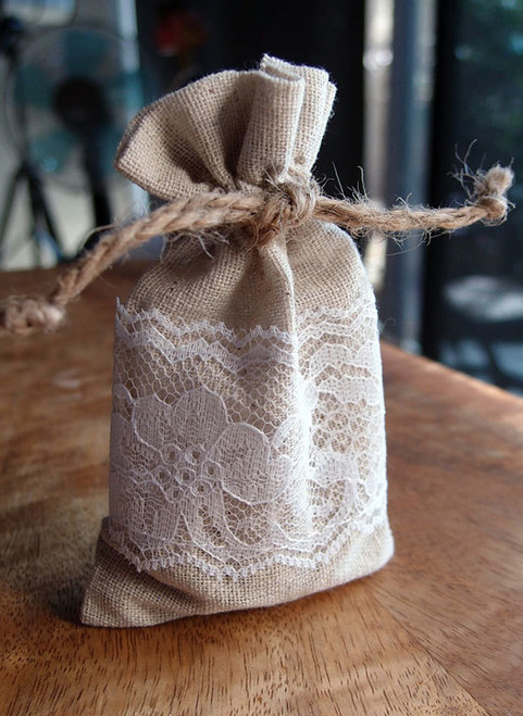 "Linen Bag with Lace - 3""x5"""