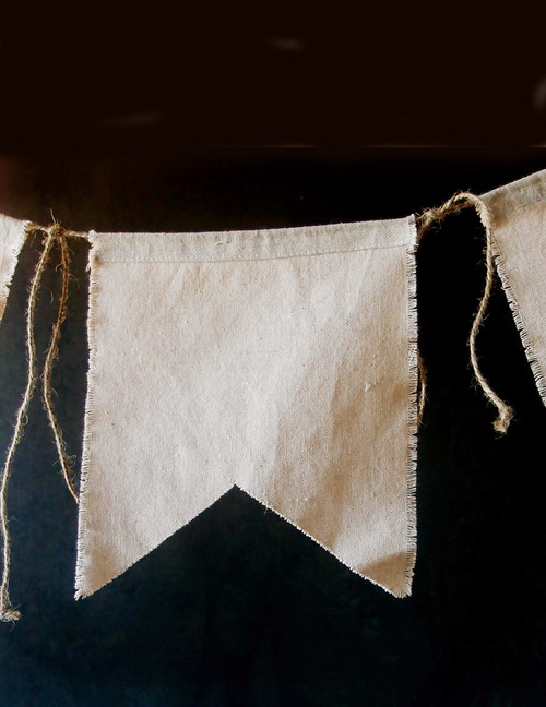 Linen Swallow Tail Pennant with Jute Cord