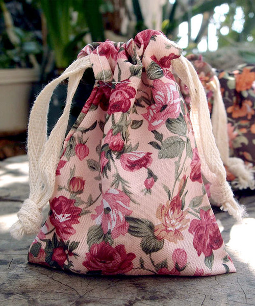 Vintage Floral Print on Ivory Bag with Red & Pink Roses