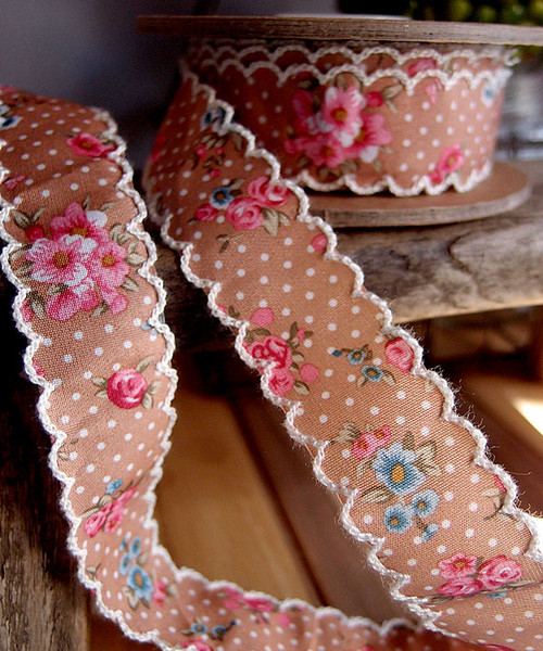 Brown Vintage Floral Ribbon with Scalloped Edge