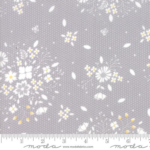 Sugarcreek - Floral on Grey Honeycombs