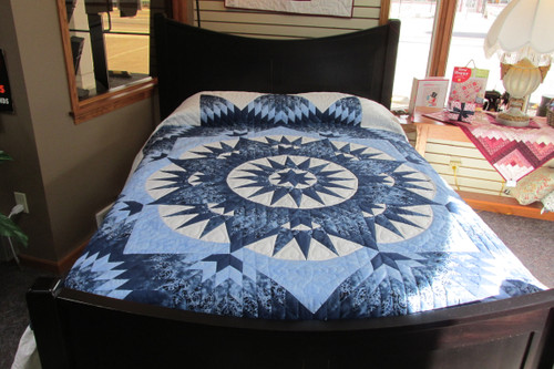 Mariners Star Quilt  - 108 x 110