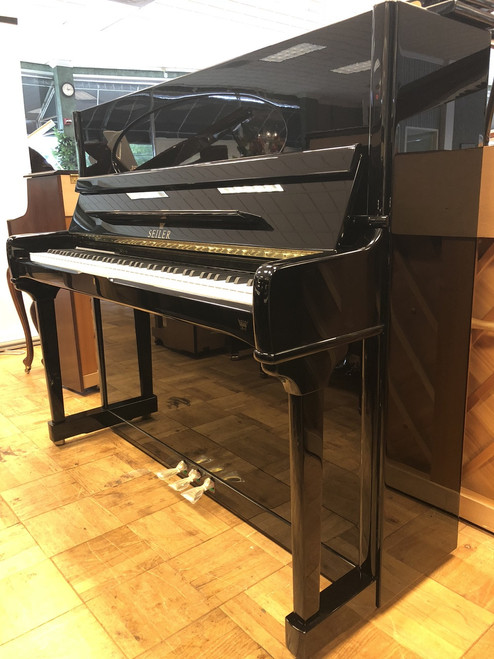 NEW Seiler SE-132 Handcrafted Premium Vertical Piano
